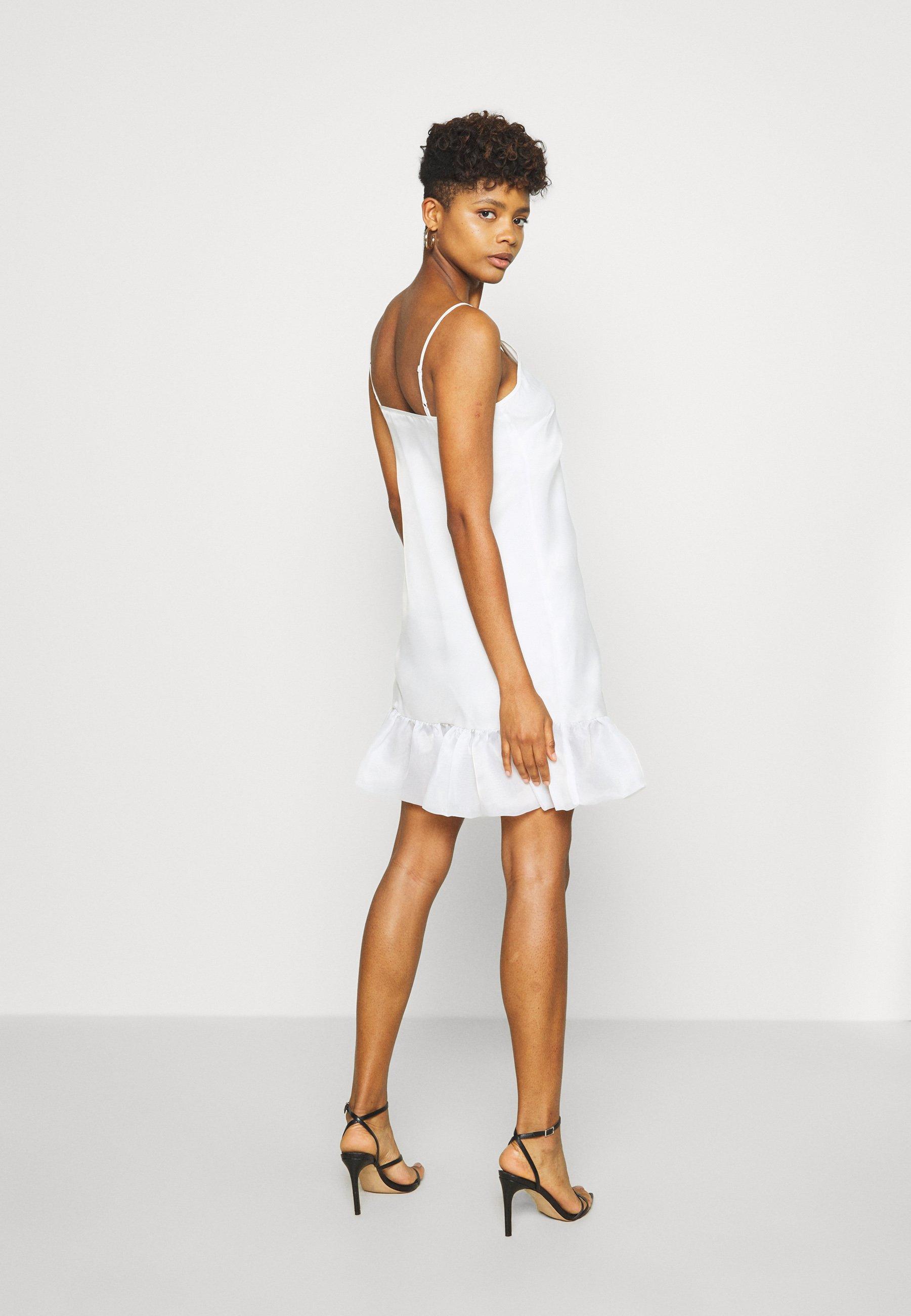 NA-KD BOTTOM DRESS - Cocktailkjoler / festkjoler - white - Damer Kjoler cbwiD