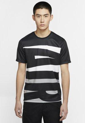 WINGS  - T-shirt med print - black