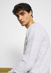 INDICODE JEANS - KRISTAN - Stickad tröja - optical white - 3