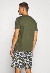 Tommy Hilfiger - WOVEN SET PRINT - Pyjamas - green - 2