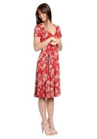 Vive Maria - HAWAII VACATION - Jumper dress - rot allover - 1