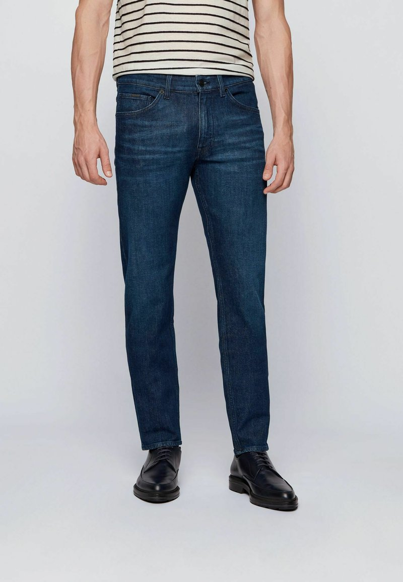BOSS - TABER+ - Jeans Tapered Fit - dark blue