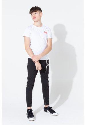 GRAFFITI COLLEGIATE SCRIPT - Print T-shirt - white