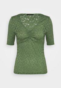hedge green