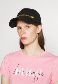 HUGO - UNISEX - Casquette - black/gold - 1
