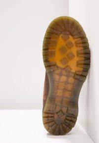 Dr. Martens - 2976 LEONORE - Classic ankle boots - butterscotch orleans - 6
