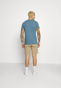 REVOLUTION - REGULAR - Basic T-shirt - blue melange - 2