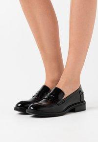 XTI - Slippers - black - 0