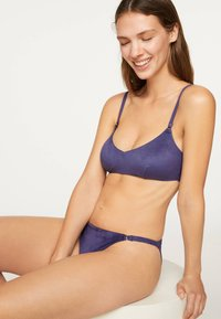 OYSHO - Bikini top - dark purple - 1
