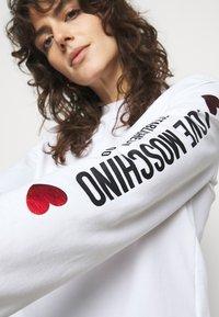 Love Moschino - Sweatshirt - optical white - 5