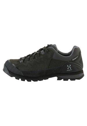 VERTIGO PROOF ECO - Hiking shoes - true black