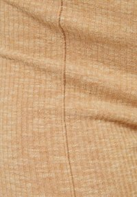 Bershka - MIT PATENTMUSTER - Kalhoty - beige - 5
