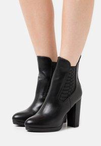 Buffalo - MICAIAH - High heeled ankle boots - black - 0