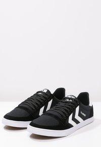 Hummel - SLIMMER STADIL - Sneakers basse - black/white - 2