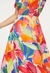 OYSHO - LONG MAXI-FLORAL DRESS 31992115 - Maxi dress - multi-coloured - 5
