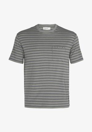 T-shirt print - drift