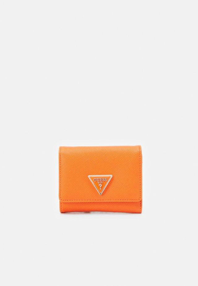 CORDELIA SMALL TRIFOLD - Peněženka - orange