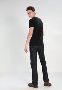 Lacoste - T-shirt basic - black - 2