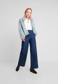 Vero Moda - VMVIRIGINIATEDDY HIGH NECK - Zimní bunda - slate - 1