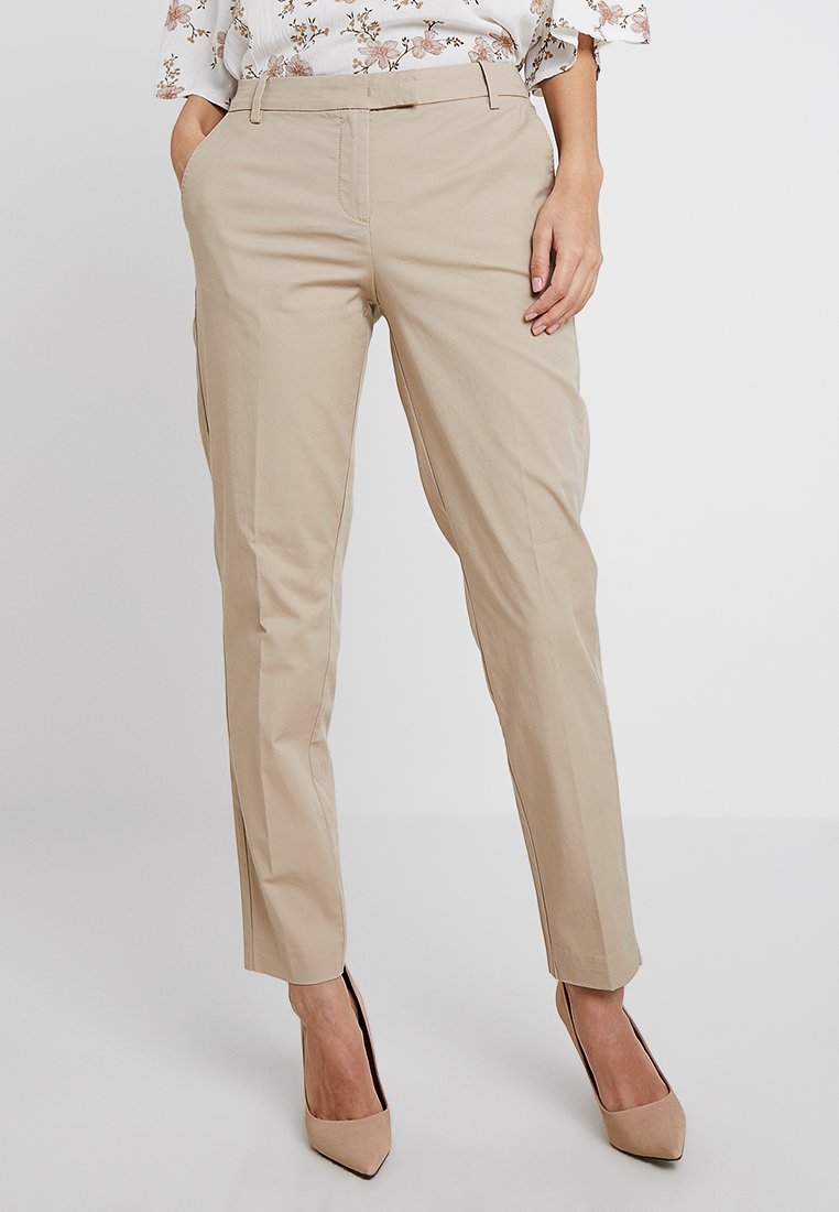 Marc O'Polo - TORNE TAILORED - Trousers - tall teak