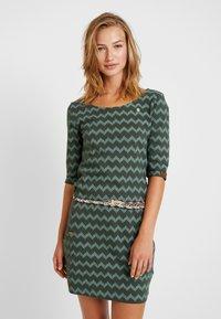 Ragwear - TANYA ZIG ZAG - Jersey dress - green - 0