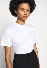 HUGO - DENNILE - Jednoduché triko - white - 3