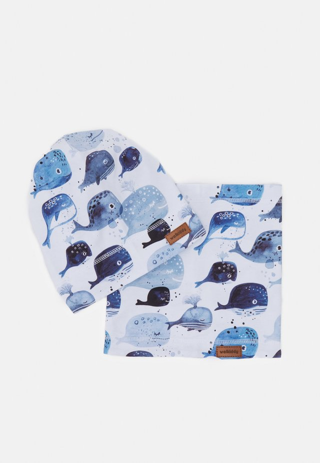 WHALES BEANIE AND LOOP SET - Snood - white