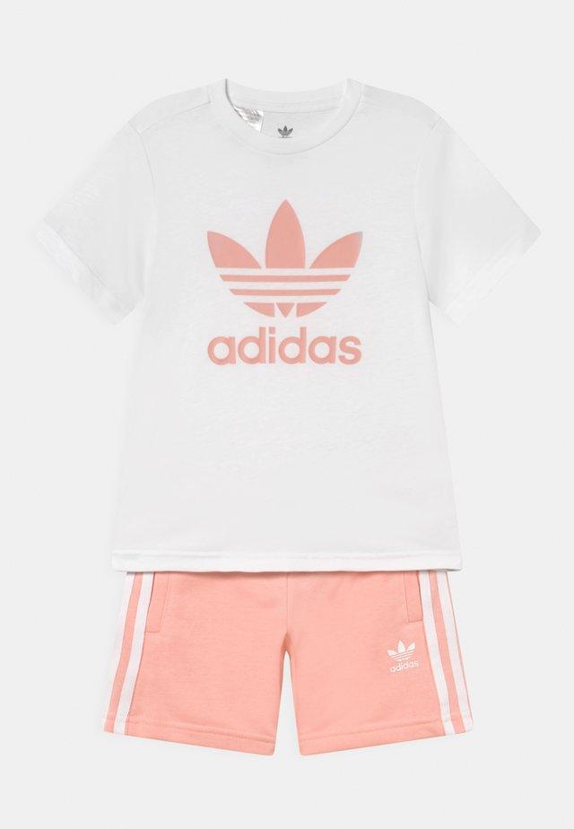 SET UNISEX - T-shirt print - white/haze coral
