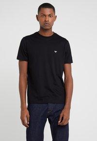 Emporio Armani - 2 PACK - T-shirt basic - black - 1