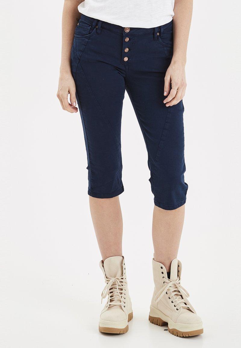 PULZ - Jeans Short / cowboy shorts - dark sapphire