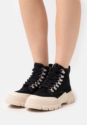 TWIG - Classic ankle boots - black/white