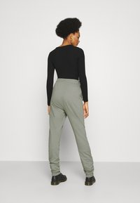 Nly by Nelly - PERFECT PANTS - Tracksuit bottoms - gray - 2
