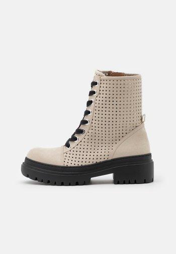 VEGAN JUNO - Platform ankle boots - taupe