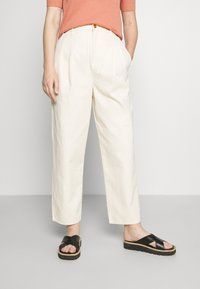 Tory Burch - DENIM TROUSER - Relaxed fit jeans - natural - 0