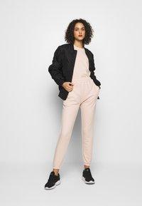 Missguided - DROP SHOULDER OVERSIZED 2 PACK - Basic T-shirt - black/pink - 0