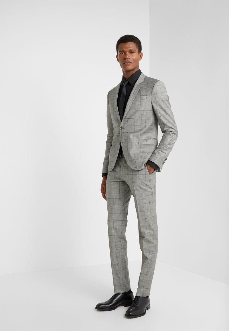 DRYKORN - OREGON - Suit - grey