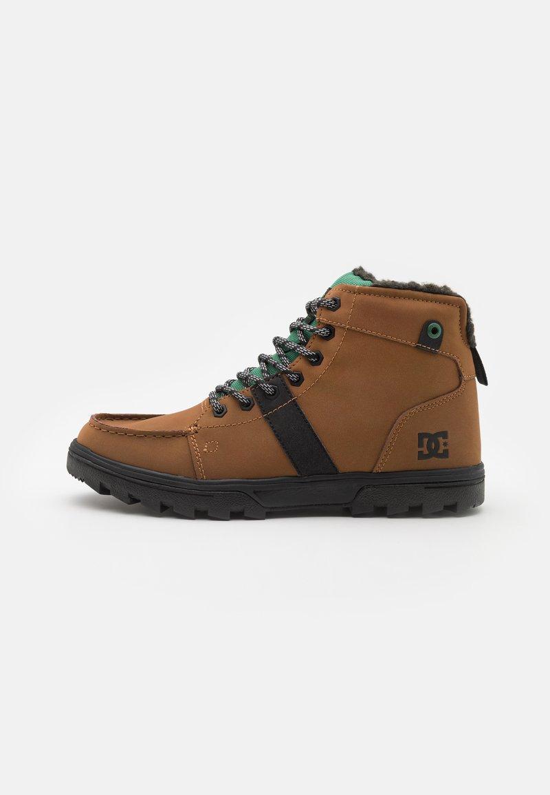 DC Shoes - WOODLAND - Šněrovací kotníkové boty - dark brown