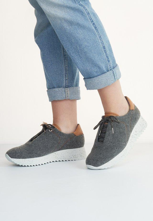 Sneakers laag - dunkelgrau/mittelbraun 017
