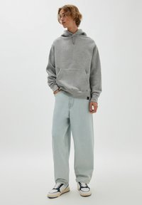PULL&BEAR - Relaxed fit jeans - light-blue denim - 1