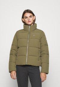 Tommy Jeans - MODERN PUFFER JACKET - Winter jacket - olive tree - 0