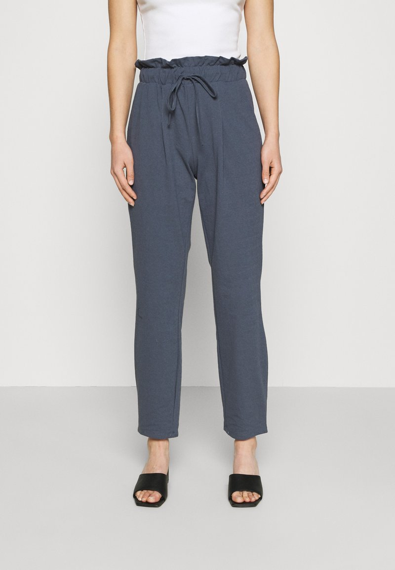 ONLY - ONLKIRAS LIFE PANTS - Trousers - ombre blue