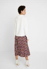 NAF NAF - LECAMPUS - Pliceret nederdel /Nederdele med folder - imprime - 2