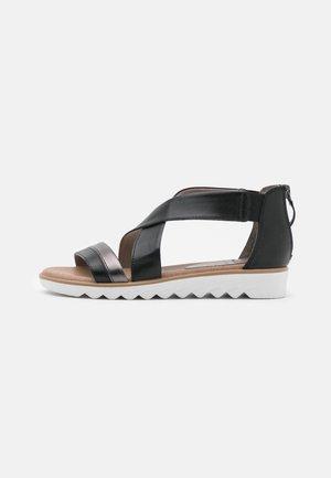 Sandaletter med kilklack - black