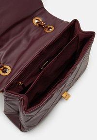 ALDO - ALOJA - Across body bag - bordo/dark gold - 2