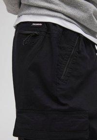 PULL&BEAR - Pantalon cargo - dark grey - 6