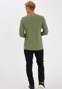 Casual Friday - THEO LS  - Long sleeved top - olivine - 2