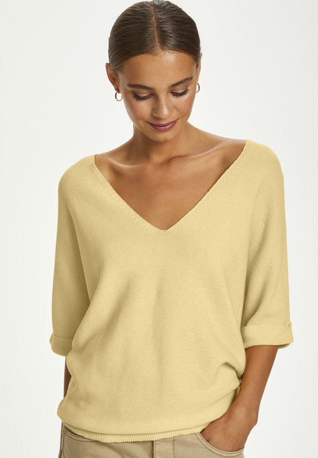 SILLAR  - Print T-shirt - pale yellow delight