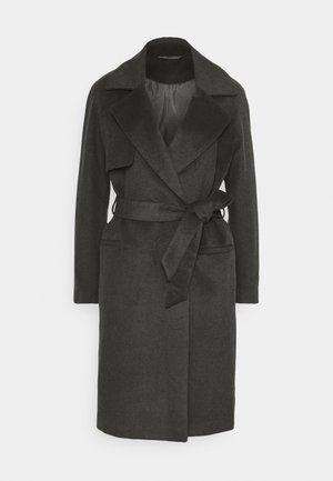 Classic coat - understated black