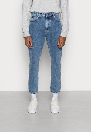 DAD JEAN - Straight leg jeans - denim medium