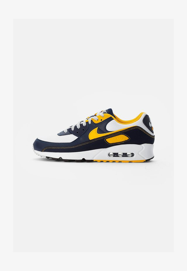 AIR MAX - Sneakers laag - white/univ gold-midnight navy-obsidian-pure platinum-wolf grey